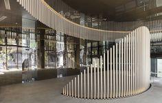 Skye von Crown Group-Architekten Koichi Takada-Sydney-Chen 韋 圻- . Lobby Design, Bühnen Design, Stand Design, Booth Design, Wall Design, Urban Design, Lobby Interior, Office Interior Design, Office Interiors