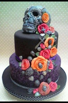 Cake Art: Black Skull Cake with Bright Color Flowers (Artist: Rock Cakes) Pretty Cakes, Cute Cakes, Beautiful Cakes, Amazing Cakes, Bolo Halloween, Halloween Cakes, Halloween Party, Gothic Halloween, Happy Halloween