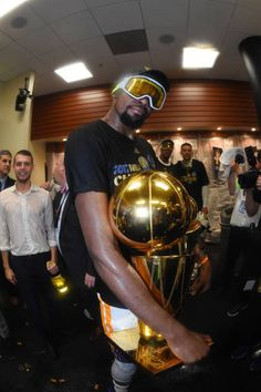 Kevin Durant of the Golden State Warriors celebrates in the locker ...