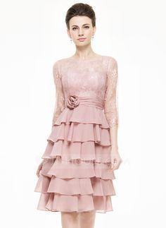 A-Linie/Princess-Linie U-Ausschnitt Knielang Chiffon Spitze Kleid für die Brautmutter mit Blumen Gestufte Rüschen (008062547) - JJsHouse