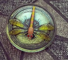 Hand Painted Iridescent Green Dragonfly [NB-18019-14] - $11.25 : Your Button Shop, Your Favorite Store for Beautiful Buttons