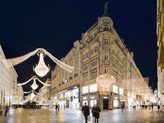 Photo: Vienna streets at Christmastime