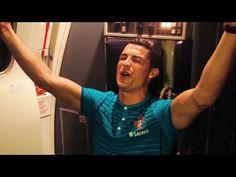 Cristiano Ronaldo Sings Along To Rihanna On A Plane - Absolutely Epic!