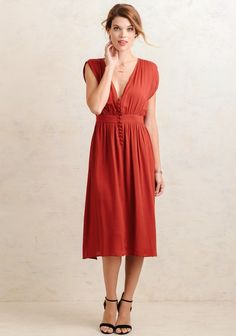 Sasha Knee-Length Dress In Red