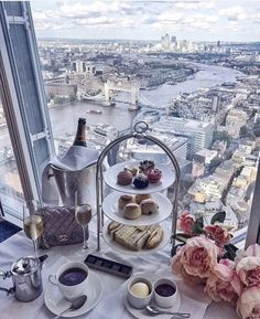 High Tea at the SHARD overlooking London Bridge Places To Travel, Places To Go, Thinking Day, Jolie Photo, High Tea, London England, Luxury Travel, Dream Vacations, Tea Time