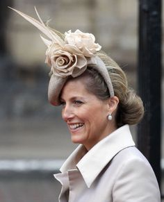 Royal Wedding coverage: All the crazy hats - NY Daily News Fancy Hats, Cool Hats, Silly Hats, Kate Middleton, Middleton Wedding, Lady Louise Windsor, Image Fashion, Fascinator Hats, Fascinators