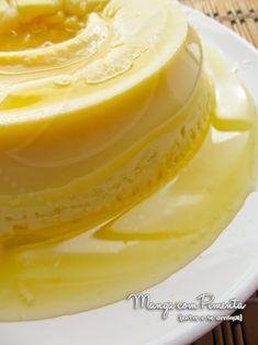 Esse Pudim de Laranja feito no Microondas {Sobremesas para o Natal} é uma sobremesa maravilhosa. Clique aqui e confira a receita do blog Manga com Pimenta.