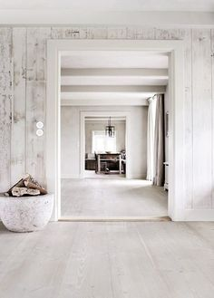whitewash, white room: