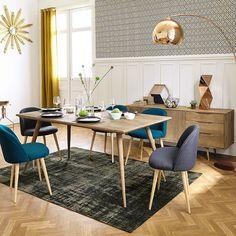Vintage dining room - copper arc lamp and teck table - salle à dîner vintage avec une lampe arc cuivrée et une table en teck