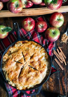 Skillet Apple Pie recipe on Classy Girls Wear Pearls Doce Banana, Classy Girl, Apple Pie Recipes, Savoury Cake, Clean Eating Snacks, Pumpkin Spice, Food Photography, Easy Meals, Healthy Recipes