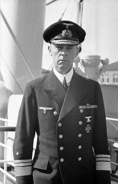 Johann Günther Lütjens (* 25. Mai 1889 in Wiesbaden; † 27. Mai 1941 im Nordatlantik (Position ♁48° 10′ N, 16° 12′ W)) war ein deutscher Marineoffizier. Als Admiral war er zuletzt Flottenchef und Befehlshaber der Schlachtschiffe der Kriegsmarine im Zweiten Weltkrieg.