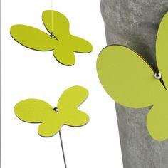 Deko für Haus und Garten: Schmetterling, 9x9cm, aus Kunstharz mit magnetischem Stab (40 cm), hergestellt an geschützten Arbeitsplätzen in der Schweiz!