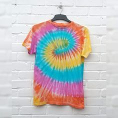 Hippie Tie Dye Shirt Trippy Psychedelic Unisex Tshirt ALL SIZES AVAILABLE Festival Summer Fashion Summer Outfits Women Over 30, Outfits For Teens For School, Summer Fashion For Teens, Summer Work Outfits, T-shirt Hippie, Hippie Style, Tie And Dye, Tie Dye, 50 Style Dresses