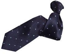 Krawatte DYLAN in Blau aus der aktuellen SONJA KAMPY-Kollektion. Material: Italienische Seide, Dessin: Punkte zweifarbig auf gemusterten Fond. Jetzt online kaufen! Dandy, Business Outfit, Material, Fashion, Neck Ties, Dots, Blue, Moda, La Mode