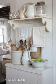 Great Shabby Chic Kitchen Ideas To Get You Started Farmhouse Kitchen Island, Rustic Kitchen, Country Kitchen, Vintage Kitchen, Kitchen Ideas, Antique Kitchen Decor, Vintage Room, Country Farmhouse, Farmhouse Decor