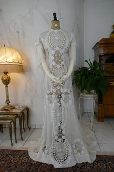 If Madeline gets married... I think this should be her dress.  Irish Crochet Dress, ca. 1904 - www.antique-gown.com
