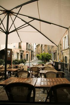 Street cafe in rain - Privas, France Outdoor Cafe, Outdoor Spaces, Outdoor Living, Saint Germain, Agra, Café Exterior, Beautiful World, Beautiful Places, Places To Travel