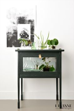 Planten in water en glas - Lisanne van de Klift - Planten in water en glas – Lisanne van de Klift - Funky Furniture, Furniture Decor, Bohemian Living Rooms, English Decor, Indian Home Decor, Textiles, Home Interior Design, Home And Living, Interior Inspiration