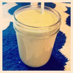 Green smoothie: Almond milk, avocado, kale, banana and vanilla protein powder. Yum!