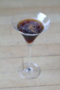 This Low Carb Chocolate Coffee Martini just might be the perfect dessert cocktail. So much flavor and sweetness, it is sure to be a favorite of the ladies. Equally delicious as the first or last drink of the evening. I love serving this one to guests! Low Carb Cocktails, Cocktail Desserts, Cocktail Recipes, Chocolate Martini, Chocolate Coffee, Low Carb Chocolate, Chocolate Recipes, Diabetic Recipes, Low Carb Recipes