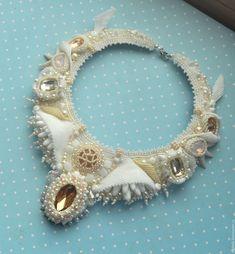 """Купить колье из бисера и камней """"Крыло лебедя"""" - белый, свадьба, крылья, свадебное украшение, ангел"""
