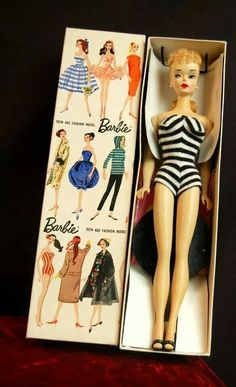 This is how Barbie came to those of us who played with her as children! The box was as wonderful as the doll! Mine looks just like this and I still have her! Barbie Dream, Vintage Barbie Dolls, Barbie World, Mattel Barbie, German Toys, Sweet Memories, Childhood Memories, Barbie Collection, Barbie Friends