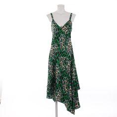 Feminines Kleid in Grün Gr. 36 - elegant und stilsicher