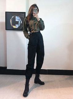 suspenders fashion vintage grunge cargo pants style withCargo pants with suspenders Grunge fashion, vintage styleGrunge fashion, vintage style 859483910120614084 Grunge Outfits, Hipster Outfits, Edgy Outfits, Mode Outfits, Korean Outfits, Fashion Outfits, Fashion Pants, Suspenders Fashion, Suspenders Outfit