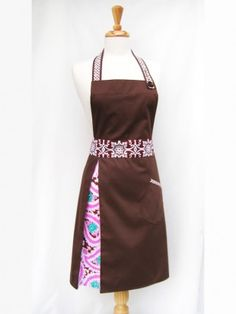 Pretty apron from an Canadian designer. Would love to have this or even someone make it for me!?!?