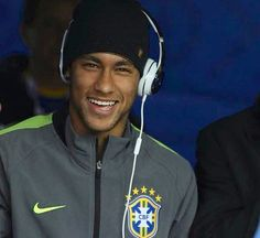 Neymar supporting his team at the Copa America | 21.06.15