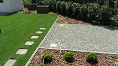 Füvesítés gyepszőnyeggel tavasszal Modern Garden Design, Modern Design, Stepping Stone Walkways, Astro Turf, Lawn Edging, Garden Steps, Backyard, Patio, Decoration