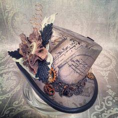 3 chapeau haut de forme - Steampunk, Alice in Wonderland, Tesla, Clockwork, victorien, Time Traveller, Mad Hatter, thé, aventurier, explorateur, Alternative, rouages, engrenages, Sherlock Holmes. Cette annonce est pour un complètement parées, mini chapeau haut de forme appelée « Thé