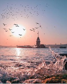 Bio link has all the hidden gems and best sites to visit in Istanbul on an offline map. Istanbul City, Istanbul Travel, Istanbul Wallpaper, Mekka Islam, Landscape Photography, Travel Photography, Turkey Travel, Dream City, Best Cities