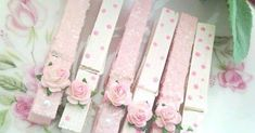 Romantic Shabby Chic DIY Project Ideas and Tutorials - Diy .- Romantische Shabby Chic DIY Projektideen und Tutorials – Diyselbermachen Romantic Shabby Chic DIY project ideas and tutorials – DIY diy making - Romantic Shabby Chic, Vintage Shabby Chic, Manualidades Shabby Chic, Shabby Chic Romantique, Crafts To Make, Crafts For Kids, Decoration Shabby, Clothes Pegs, Pink Clothes