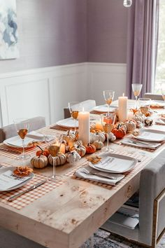 A Fall-Themed Dinner Party - Abendessen Thanksgiving Table Settings, Thanksgiving Decorations, Table Decorations, Autumn Party Decorations, Pasta Bar, Fall Dinner, Dinner Table, Brighton, Dinner Themes