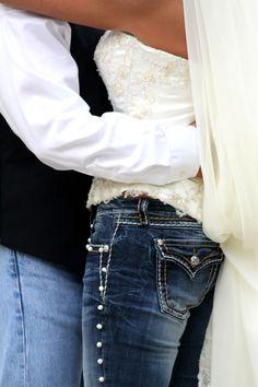 Blue jean wedding Blue Jean Wedding, Jeans Wedding, Blue Jeans, Pants, Fashion, Trouser Pants, Moda, Fashion Styles, Denim Wedding