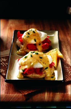 Smoked Salmon Benedict anyone? Crepes with salmon & goat cheese filling? Best Smoked Salmon, Smoked Salmon Recipes, Wine Recipes, Gourmet Recipes, Fathers Day Brunch, Recipe Sheets, Sockeye Salmon, Goat Cheese, Recipe Using