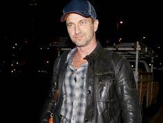 Gerard Butler llega a Los Angeles tras su viaje a Nueva York ~ ActorsZone