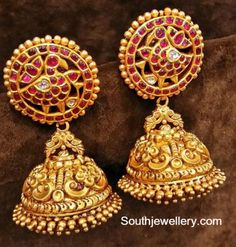 Jhumkas latest jewelry designs - Page 5 of 75 - Indian Jewellery Designs Gold Jhumka Earrings, Jewelry Design Earrings, Gold Earrings Designs, Gold Jewellery Design, Ear Jewelry, Antique Earrings, Jhumka Designs, Gold Jewelry, Fashion Jewellery