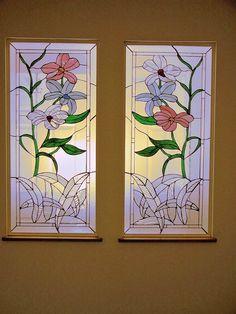 Linstrom Flowers design.  #stainedglass #window #room #divider #flowers #nature #colorful #creative #artsy #beautiful #custom #homedecor #decor