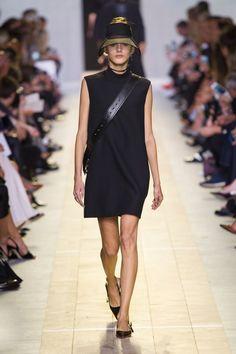 Christian Dior at Paris Fashion Week Spring 2017 - Runway Photos