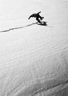 Awesome snowboarding #snowboarding #sport #snow #blueprint http://www.blueprinteyewear.com/