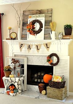 Fall mantel (with reclaimed pallet wood) - My fall mantel from this year! I wanted the main feature this year to be some reclaimed pallet wood that I made into… Fall Home Decor, Autumn Home, Thanksgiving Decorations, Seasonal Decor, Halloween Decorations, Thanksgiving Mantle, Christmas Decor, Wood Pallets, Pallet Wood