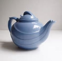Vintage Hall Teapot Hyacinth Blue by KitchenTableVintage on Etsy Teapots Unique, Vintage Teapots, Mark Hall, Hall Pottery, Teapots And Cups, Chocolate Pots, Art Deco Design, Vintage Pottery, Vintage China