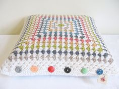 Irene... crochet granny cushion cover