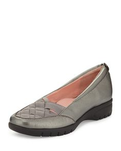 Alick Stretch-Woven Flat, Pewter (Silver), Size: 35B/5B - Taryn Rose