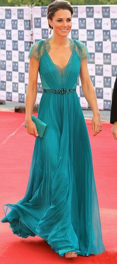 Kate Middleton. I am IN LOVE with this gown !!!!