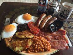 Breakfast Platter, Breakfast Items, English Breakfast Traditional, 70s Food, Campfire Food, Brunch Menu, Food Platters, Healthy Breakfast Recipes, Food Cravings