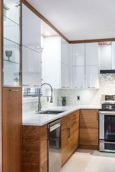 Kitchen Buffet, New Kitchen, Kitchen Decor, Small Kitchen Organization, Small Kitchen Storage, Modern Ikea Kitchens, Home Kitchens, Two Tone Kitchen Cabinets, Kitchen Room Design