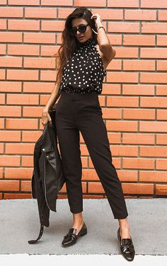 Black pants: 1 piece and several looks to be inspired- Calça preta: 1 peça e vários looks para se inspirar See the versatility of womens black pants. Casual Work Outfits, Mode Outfits, Chic Outfits, Fashion Outfits, Fashion Trends, Business Outfit, Business Casual Outfits, Casual Chic, Smart Casual